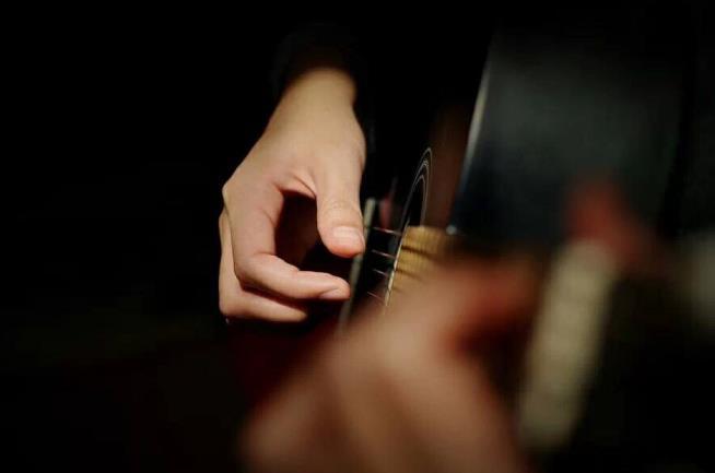 简单的吉他弹唱教学吉他入门视频第一课70节0基础入门