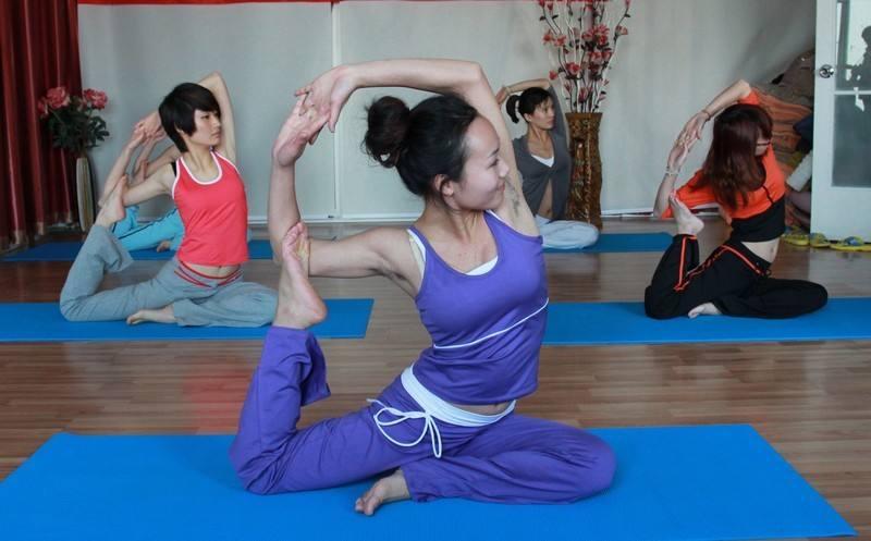 瑜伽垫有什么用,买什么牌子瑜伽垫好!