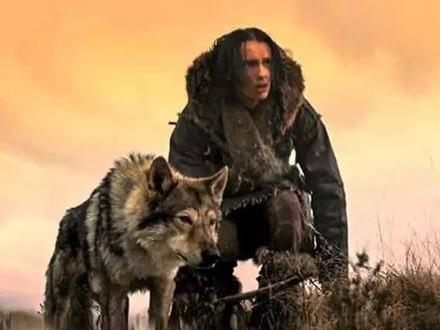 电影《阿尔法:狼伴归途》完整解说文案